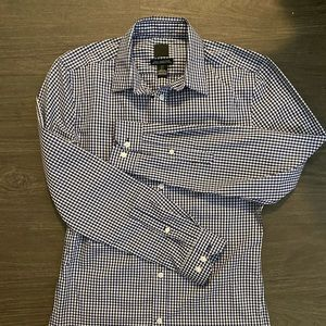 H&M Slim Fit Easy Iron Dress Shirt (Size Medium)